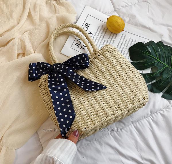 Плетеная сумочка с платочком в горошек