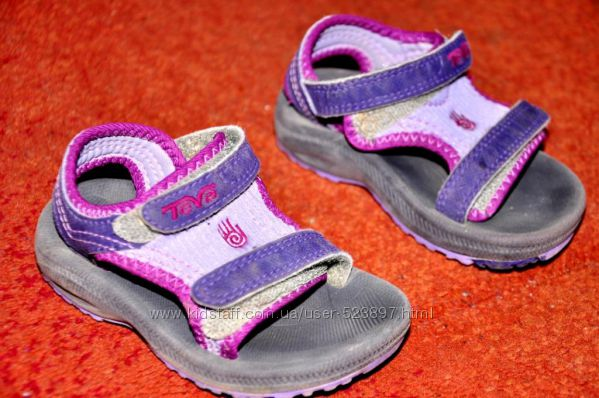 Фирменные сандалии Teva
