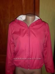 Куртка с капюшоном на мягкой меховой подкладке