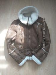 Две курточки на девочку 134-140см