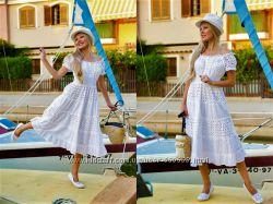 Женское белое приталенное платье сарафан кружевное прошва расклешенное
