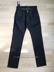Новые мужские джинсы.