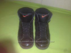 Стильные оригінальні кроссівки Nike