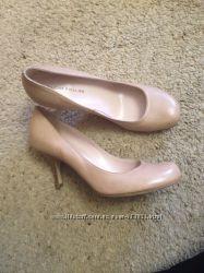 Фірмові туфлі STUDIO POLLINI 37. 5 розмір