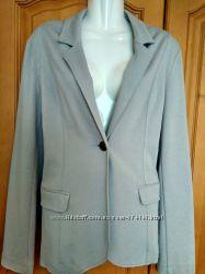 Пиджак серый трикотажный