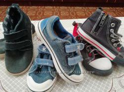 Три пары обуви по цене одной акция