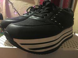 Bata кроссовки туфли, 39 размер НОВЫЕ