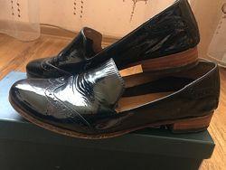 Продам туфли фирмы Carlo Pazolini
