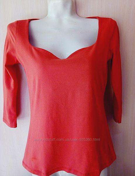 Блуза футболка Bershka размер М Новая с небольшим ньюансом