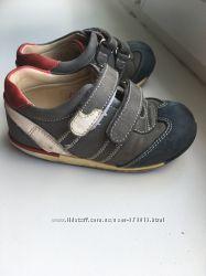 Ортопедическая обувь. Кроссовки 23 розмер.