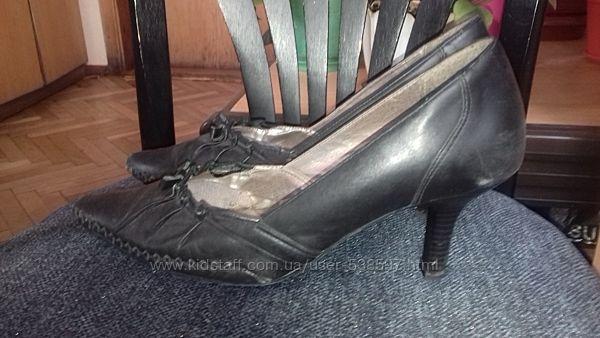 Туфли кожаные 39 размер. За шоколадку.
