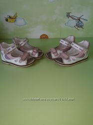 Босоножки Шалунишка р. 24 для двойни, близняшек, двойняшек