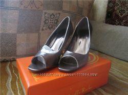 Продам туфли женские Gabriella Rocha