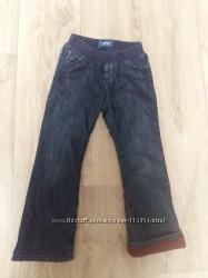 Продам джинсы Old Navy 5T