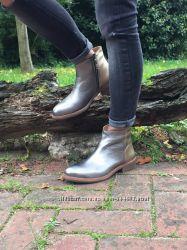 Классические кожаные демисезонные ботинки на низком ходу Petra Dieler