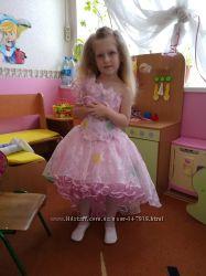 Шикарное нарядное платье для Принцессы 5-7 лет. Состояние нового