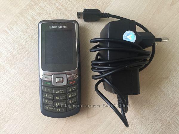 Продам телефон Samsung зарядка