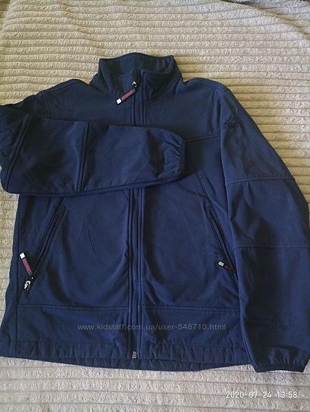 Фирменная спортивная куртка ветровка на рост 152-164