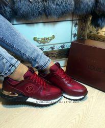 Женские кроссовки Louis Vuitton цвет марсала все размеры 36-40р