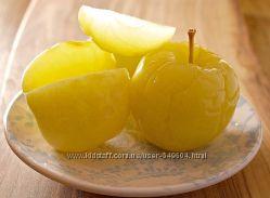Моченые яблочки Антоновка и сливы Угорка на меду и колодезьной воде.