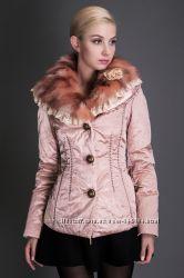 Теплая  курточка от BASIC EDITIONS c кружевами и розой. Наличие.