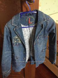 Классная джинсовая куртка 110 р