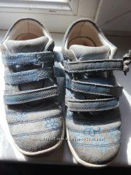 Продам кроссовки в идеальном состоянии элефанте 29размер