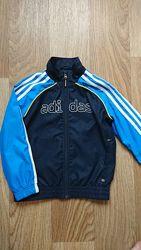 Ветровка, кофта спортивная Adidas на мальчика 4-6лет.