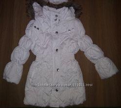 удлиненная деми куртка на 4-6 лет