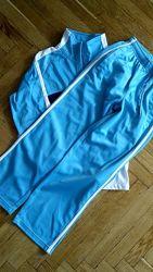 Спортивный костюм на девочку 134-140