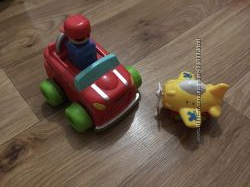 Машинка  Tomy нажимай и гоняй  самолетик в подарок