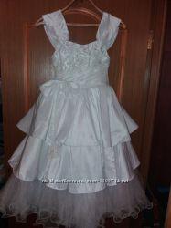 Платье нарядное белое рост 134