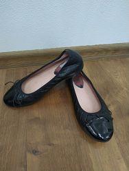 Туфли балетки черные для девочки 37 стелька 23.5 кожа, лак, Испания