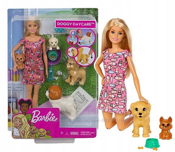 Барбі Набір Дитячий садок Mattel FXH08 Barbie Doggy Daycare Doll & Pets