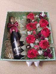 Подарок для женщин Sweet box букет из конфет в коробке  напиток