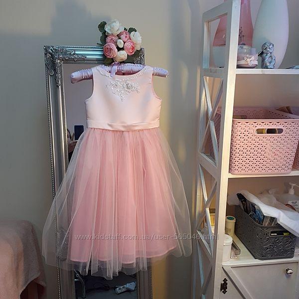 Нарядне плаття.