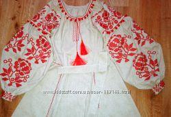 Платье с вышивкой в   украинском   стиле  в наличии.
