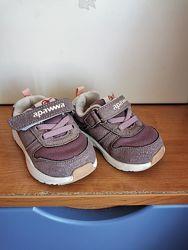 Удобные кроссовочки