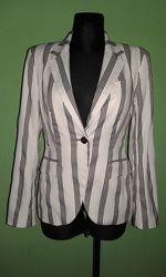 Стильный женский пиджак Zara р. 44- 46