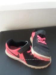 Кроссовки на девочку Nike р. 34 из Берлина