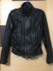 куртка BERSHKA 100 натуральная кожа