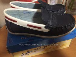 Продам новые туфли - мокасины Котофей 26р натуральная кожа