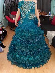 Вечернее карнавальное выпускное платье