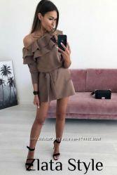 Стильное платье с воланом