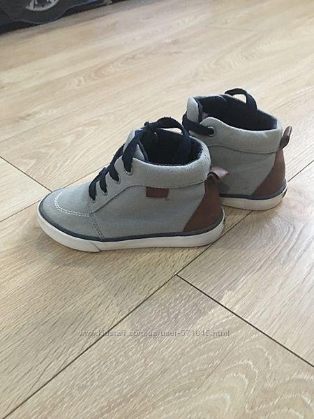 Легкие ботиночки Gymboree