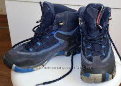 Демисезонные ботинки Gore-tex на шнурках по стельке 19. 5 см.