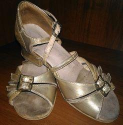Туфли для бальных танцев, каблук блок