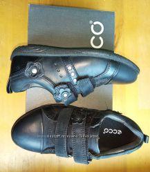 Закрытые туфли кроссовки Экко 27р.