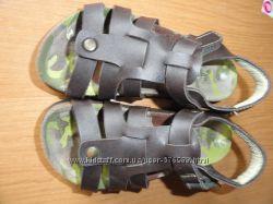 Босоножки кожаные  Bata 28