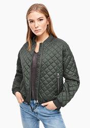 Женская куртка бомбер S. oliver стеганая цвет оливковый
